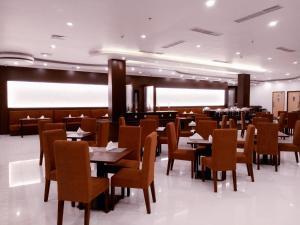 Restoran atau tempat makan lain di Hotel Santika Luwuk - Sulawesi Tengah