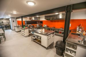 A kitchen or kitchenette at YHA Queenstown Lakefront