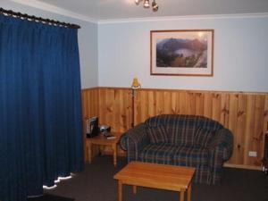 A seating area at Derwent Bridge Chalets & Studios