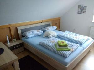 Ein Bett oder Betten in einem Zimmer der Unterkunft Gemütliches Gästezimmer