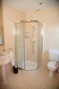 A bathroom at Lynch's Townhouse