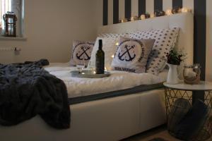 Łóżko lub łóżka w pokoju w obiekcie Apartament 4 seasons