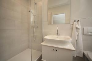 A bathroom at Landidyll Landhaus Liesetal