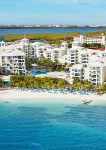 Una vista aérea de Occidental Costa Cancún - All Inclusive