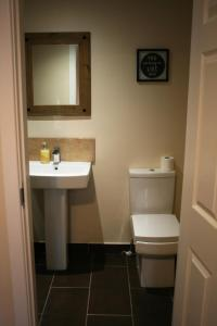 A bathroom at Premier Lodge Central