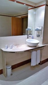 A bathroom at Hotel Gran Regente