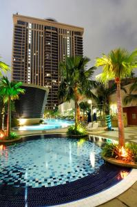The swimming pool at or close to Bukit Bintang Suite At Times Square