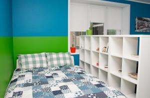 Кровать или кровати в номере Apartment on Uritskogo