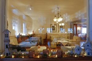 Ein Restaurant oder anderes Speiselokal in der Unterkunft Hotel Waldblick Kniebis
