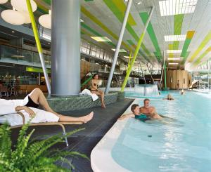 The swimming pool at or near Spreewald Thermenhotel - Spreewald Therme GmbH