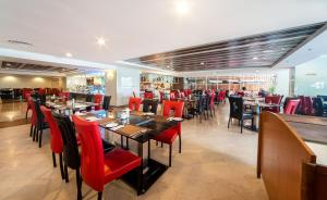 A restaurant or other place to eat at Promenade Hotel Kota Kinabalu