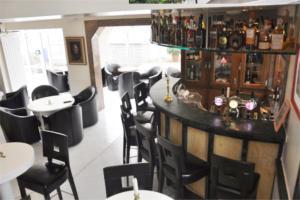 Lounge oder Bar in der Unterkunft Hotel Approach