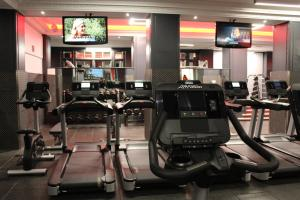 The fitness center and/or fitness facilities at The Waldorf Hilton