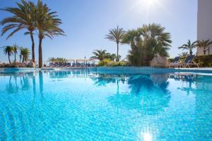 Het zwembad bij of vlak bij Hipotels Hipocampo Playa