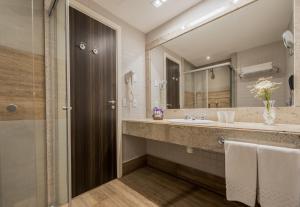 A bathroom at Wish Natal