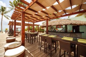 El salón o zona de bar de Punta Cana Princess Adults Only - All Inclusive