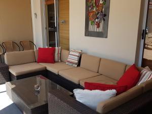 A seating area at Carmel huys