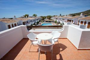 A balcony or terrace at Apartamentos Cristina