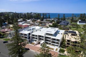 A bird's-eye view of Bluewater Apartments