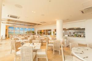 Un restaurante o sitio para comer en Hotel Casablanca