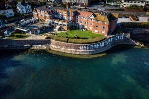 A bird's-eye view of Best Western Livermead Cliff Hotel