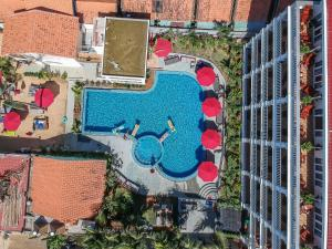 A view of the pool at Phuong Binh House or nearby