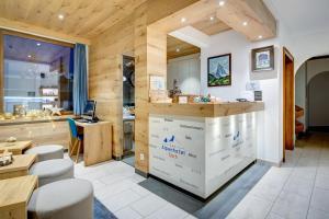 Hall ou réception de l'établissement Matterhorn Inn