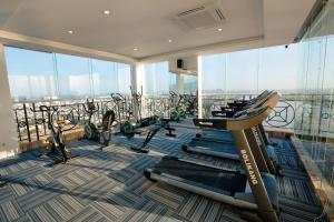 The fitness center and/or fitness facilities at Fivitel Da Nang