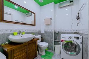 Ванная комната в Heart of the City Townhouse