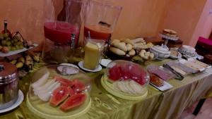 Opções de café da manhã disponíveis para hóspedes em Pousada Casa Madrid