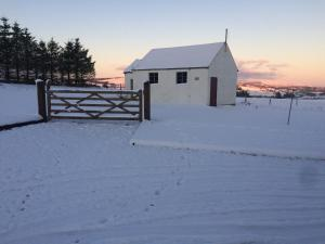 Scarlett Rose Cottage during the winter