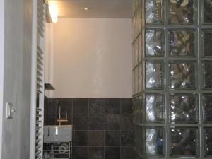 A bathroom at Bed & Breakfast aan de Singel van Utrecht