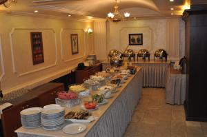 مطعم أو مكان آخر لتناول الطعام في فندق الزيتونة
