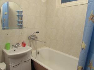 Ванная комната в Apartments 8 marta