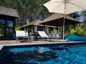 The swimming pool at or close to Koyao Bay Pavilions