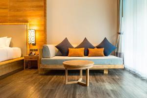 Ein Sitzbereich in der Unterkunft AKIRA Lipe Resort