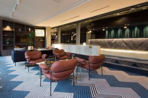 The lounge or bar area at Radisson Blu Park Hotel, Oslo
