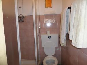A bathroom at Rustico & Singelo - Hotelaria e Restauração, Lda