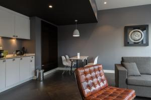A seating area at B-aparthotel Kennedy