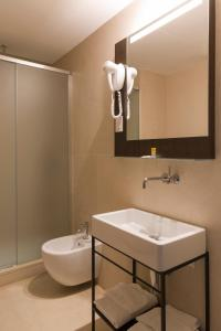 A bathroom at B&B Hotel Milano Central Station