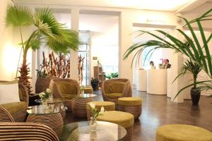The lobby or reception area at Hotel Loccumer Hof