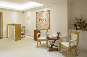 A seating area at Theoxenia Residence