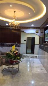O saguão ou recepção de Izdehar Furnished Apartments