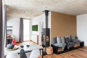 A seating area at N8Quartier Eifel