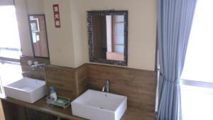 A bathroom at Minshuku Takahashi Kashibuneten