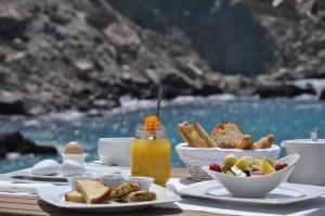 Breakfast options available to guests at Blue Sand Boutique Hotel & Suites