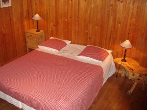 """Un ou plusieurs lits dans un hébergement de l'établissement Gîte """"Le Champ des pierres"""""""
