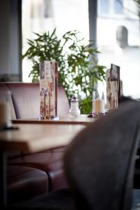 Ein Restaurant oder anderes Speiselokal in der Unterkunft Eis Cafe Garibaldi