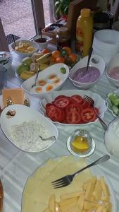 Breakfast options available to guests at Privat Baja