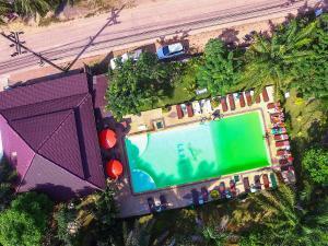 A view of the pool at Lanta Klong Nin Beach Resort or nearby